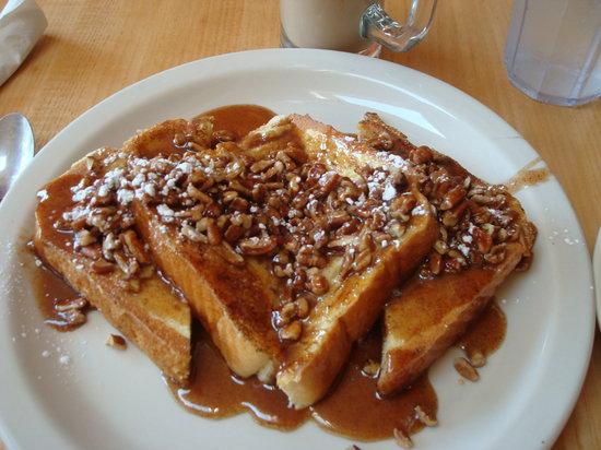 Crow's Nest: Amaretto pecan french toast