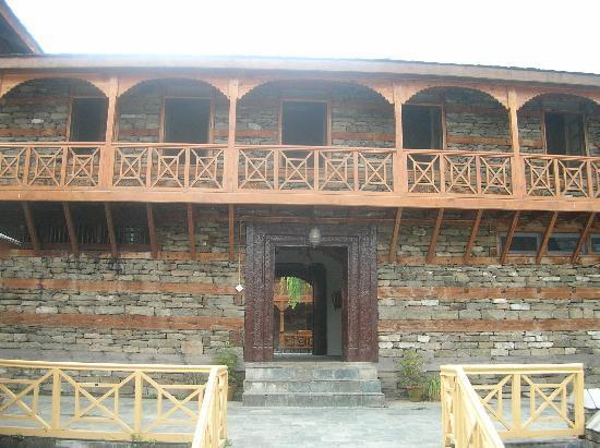 Hotel Castle Naggar: Entry area