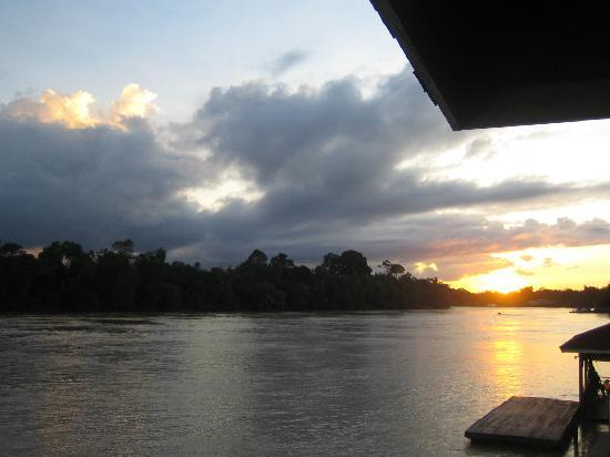 Kinabatangan Riverside Lodge: Sunset view from KRL