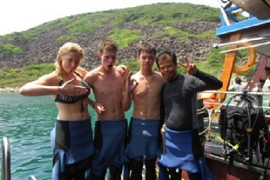 Nitrox Guru Dive Centre: Mad Students