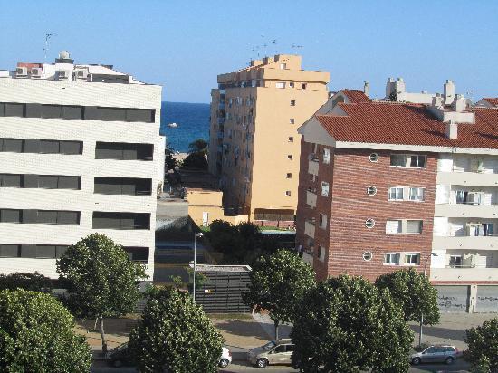 Aqua Hotel Silhouette & Spa - Adults Only: autre vue de la chambre(un petit bout de mer!!!!)