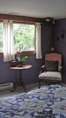 Relais du Soleil: The Plum Room in the Bunkhouse