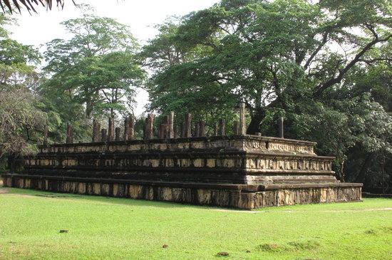 Polonnaruwa, Sri Lanka: Ruins