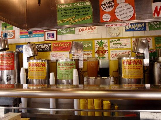 Gray's Papaya: the counter