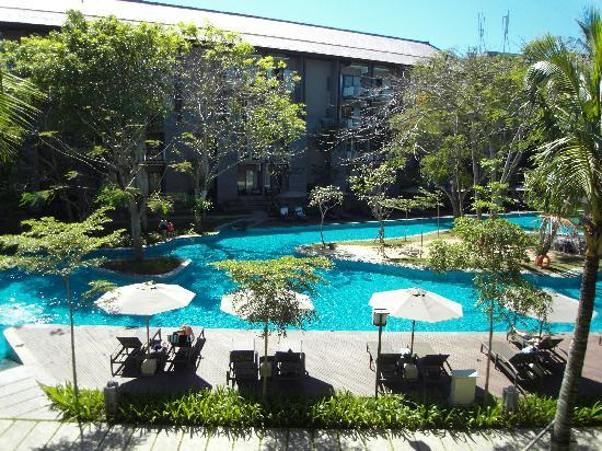 Courtyard by Marriott Bali Nusa Dua: Pool view from the balcony