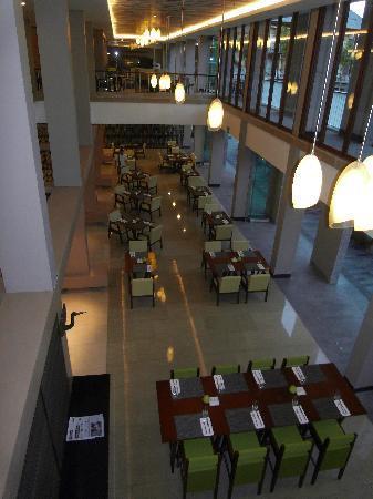 Courtyard by Marriott Bali Nusa Dua Resort: Breakfast restaurant