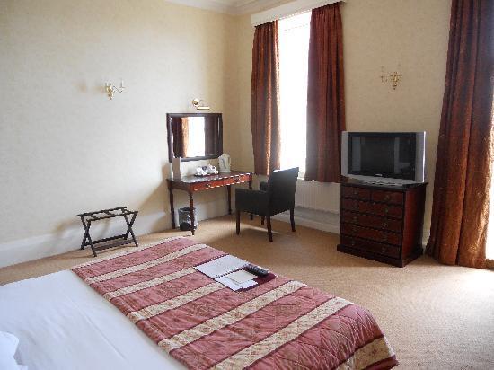 Queens Hotel Southsea Room