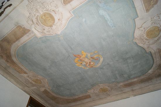 B&B Tempi Lontani: Plafond chambre