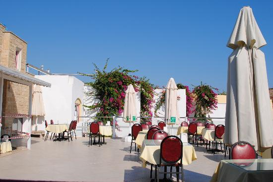 Hotel Serpina : breakfast terrace