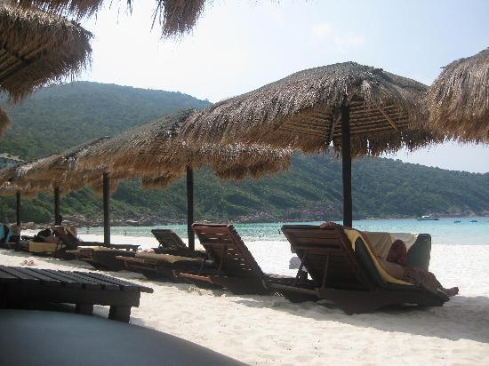 The Taaras Beach & Spa Resort : Beach @ The Taaras