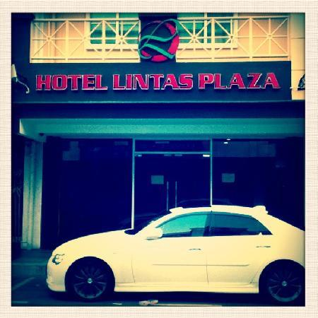 Hotel Lintas Plaza : hotel facade