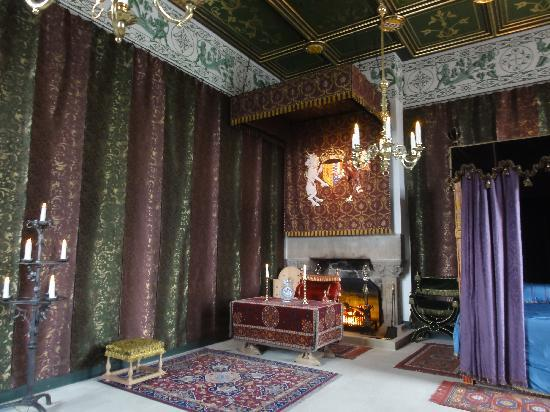 Rabbie's: Newly retored room at Stirling Castle
