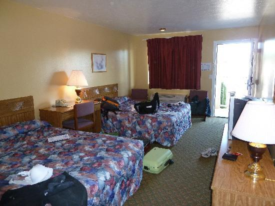 Super 8 Hurricane Zion National Park: Room