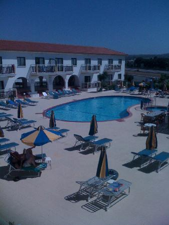 Cosmelenia Hotel Apartments: Pool View