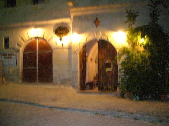 Aydinli Cave Hotel: entrance