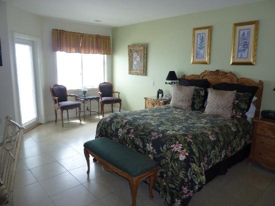 Landis Shores - An Oceanfront Bed and Breakfast Inn: One of the rooms