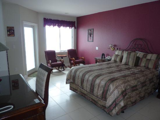 Landis Shores - An Oceanfront Bed and Breakfast Inn: Another nice room