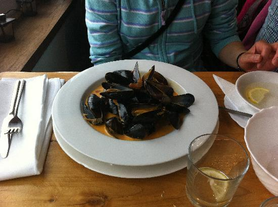 47 Mussel Row: Mussels in cream sauce - delicious