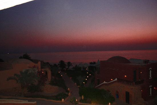 Kahramana Beach Resort: Alba....4.20