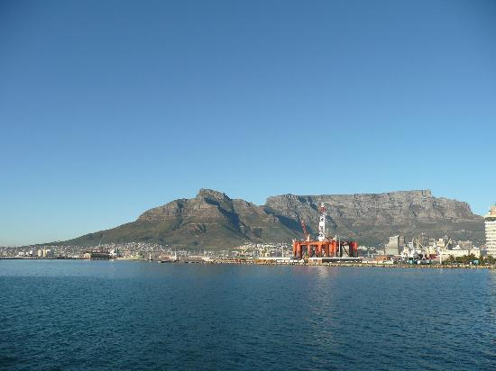 Southern Sun Waterfront Cape Town: A pic of the mainland on the way to Robben Island
