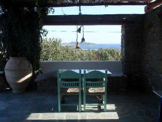 Ξενοδοχείο Πέτρες: patio au bord de la piscine