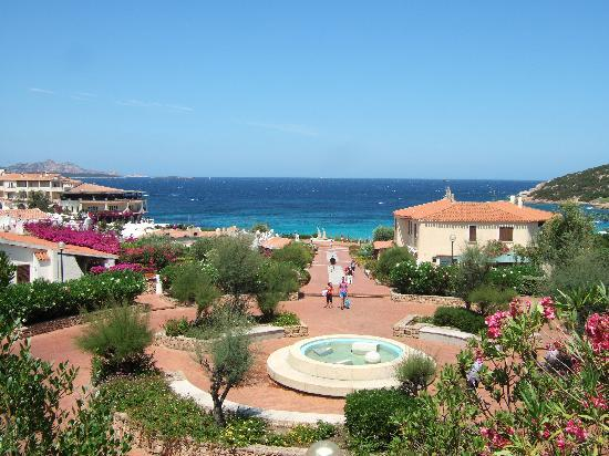 Hotel Punta Est: The village from the pool terrace