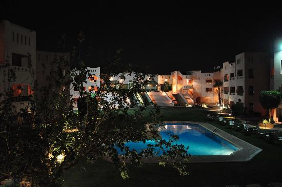 Kharga, Mısır: By night