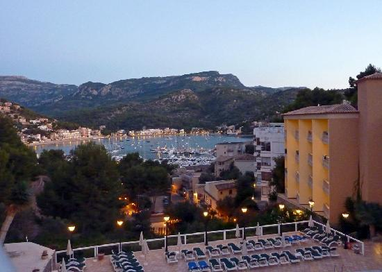 SENTIDO Porto Soller: Evening view from the dining terrace..