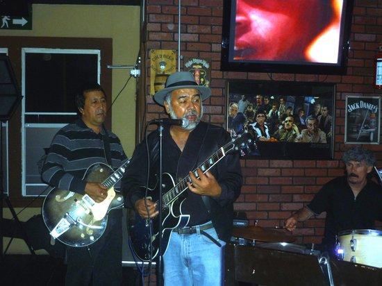 Lucky Irish Pub: Ramon, Lucky, Thursday, Jazz Guitar
