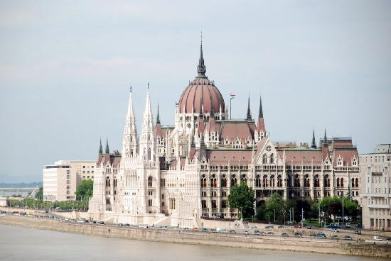 Free Budapest Walking Tours: The Parliament