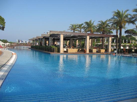 Rixos Premium Belek: Massive pool, never cold