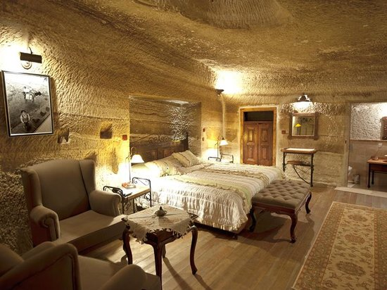 Terra Cave Hotel Picture