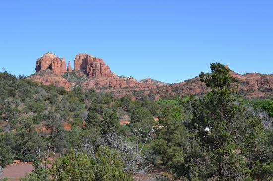 Sedona Cathedral Hideaway: Typical view from Safari Room and deck.