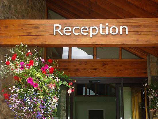 Crooklands Hotel: New reception