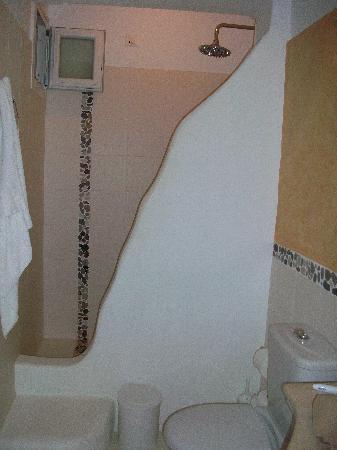 Hotel Carbonaki: Gorgeous Bathroom!