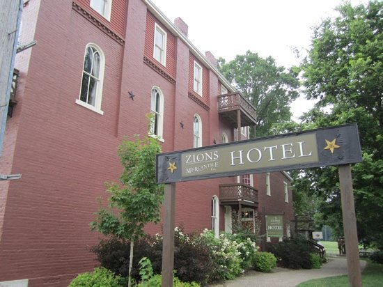 Photo of Zion'S Mercantile Hotel Nauvoo