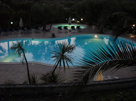 Residence Paradise: le piscine