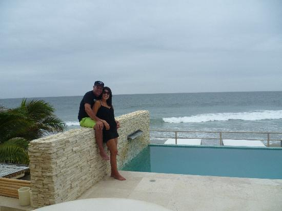 DCO Suites, Lounge & Spa: En la zona piscina