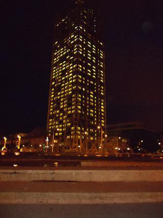 El hotel de noche foto de hotel arts barcelona for Noche hotel barcelona