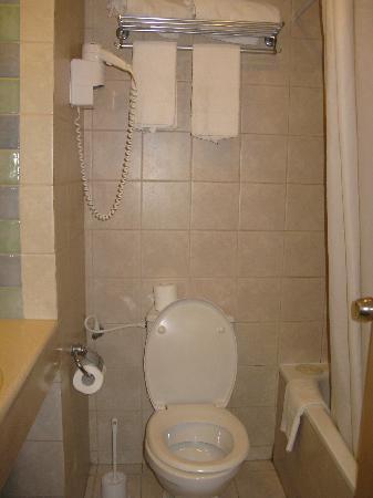 Hotel Prima Music: bathroom