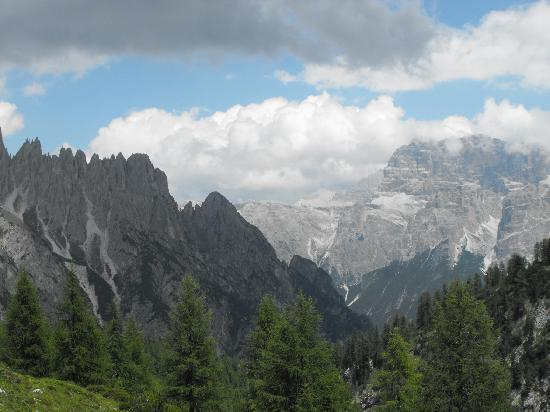 Rifugio Citta di Carpi: Panorama visto dal rifugio