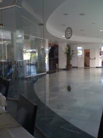 BlueBay Lanzarote: part of reception