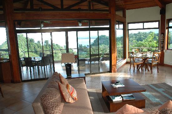 Tulemar Bungalows & Villas: Interior of Casa Panorama