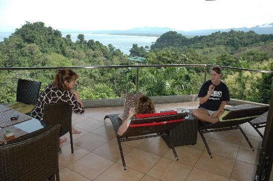 Tulemar Bungalows & Villas: Relaxing on the balcony.