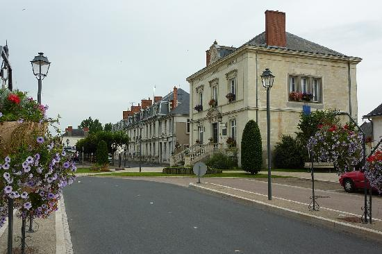 The village of Langeais