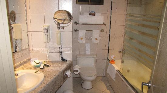 Casa Grande Suites: Bathroom