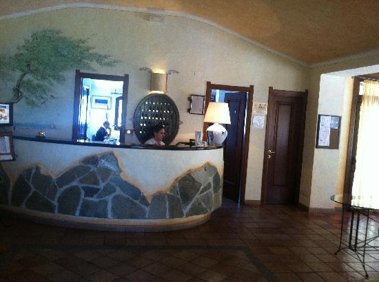 Hotel La Jacia: lobby