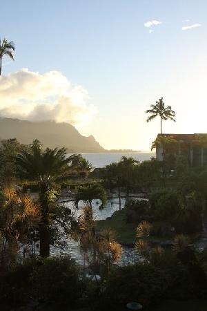 Hanalei Bay Resort: The Pool and Ocean View