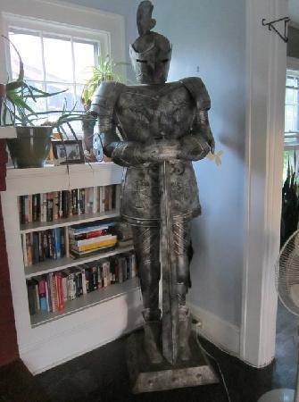 Bon Paul and Sharky's Hostel of Asheville: Suit of Armour