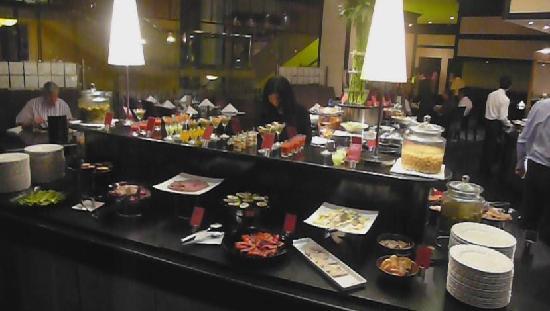 Landmark Hotel Buffet Restaurant Atrium